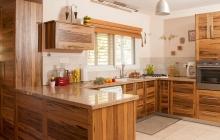 מטבח עץ מלא